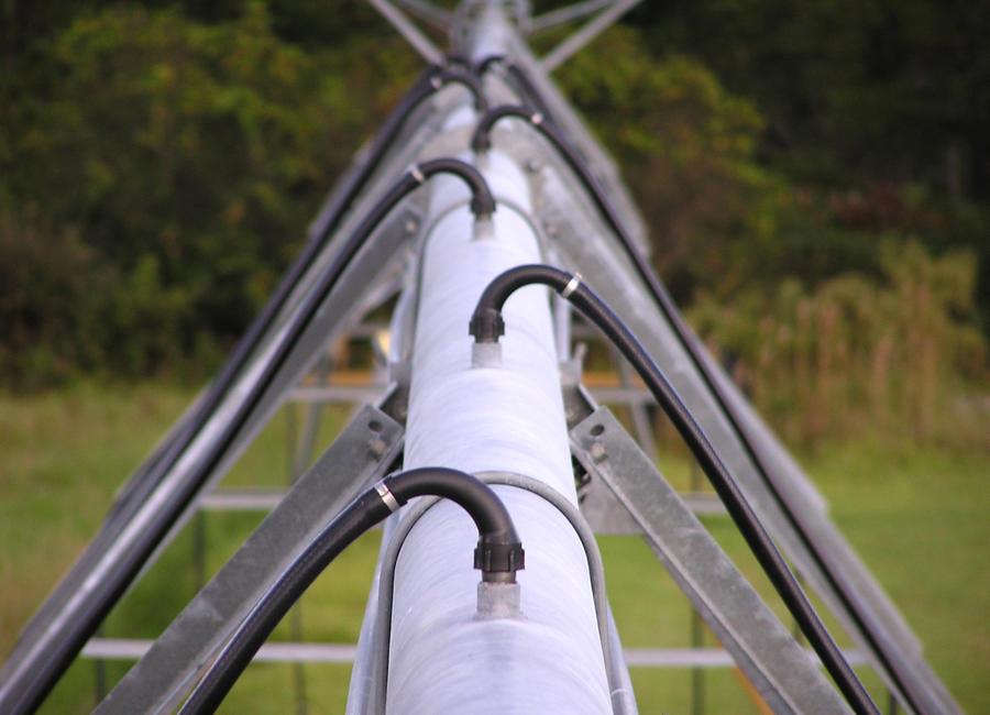 gooseneck-125-single-pivot-irrigation.jpg