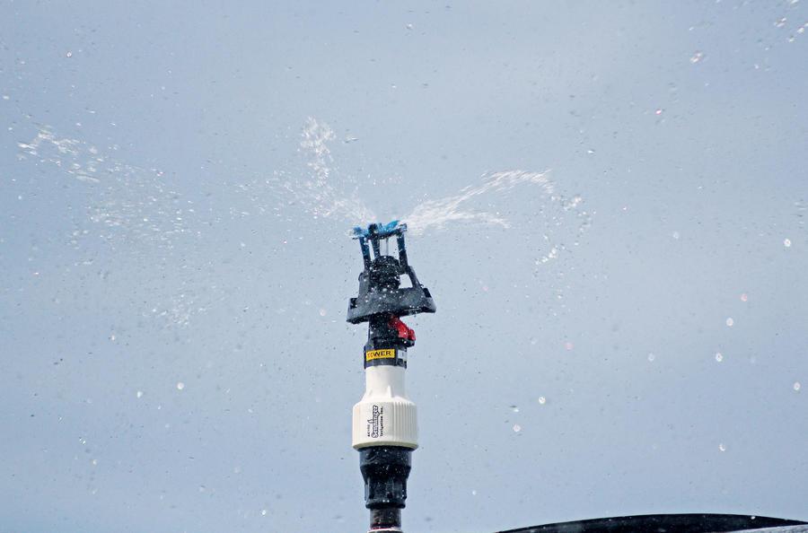 xcel-wobbler-top-sprinkler-irrigation.jpg